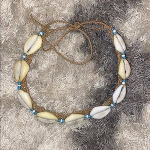 Shell necklace/ chocker. Used.